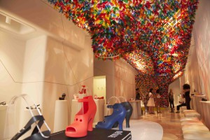 GALERIA MELISSA NY - We Are Flowers installation (03)