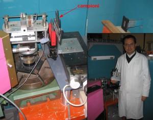Fig. 2. Campioni di poliuretani per calzature e strumentazione neutronica per l'analisi
