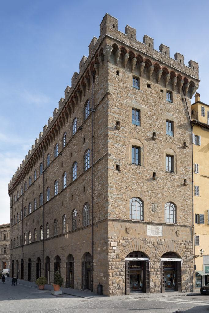 L'esterno del Palazzo Spini Feroni a Firenze al cui interno Ferragamo ha allestito il Museo