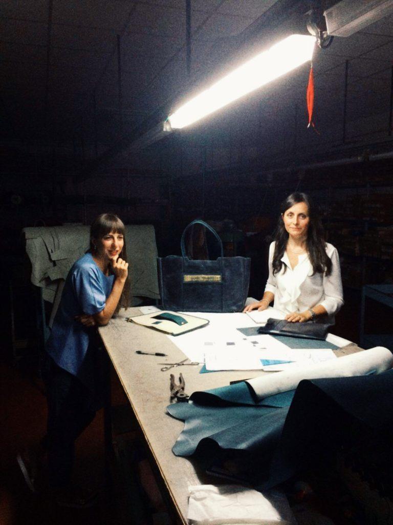 Beatrice Mezzetti (a sinistra), anima creativa di Vodivì, e Pamela Lauteri che si occupa della produzione